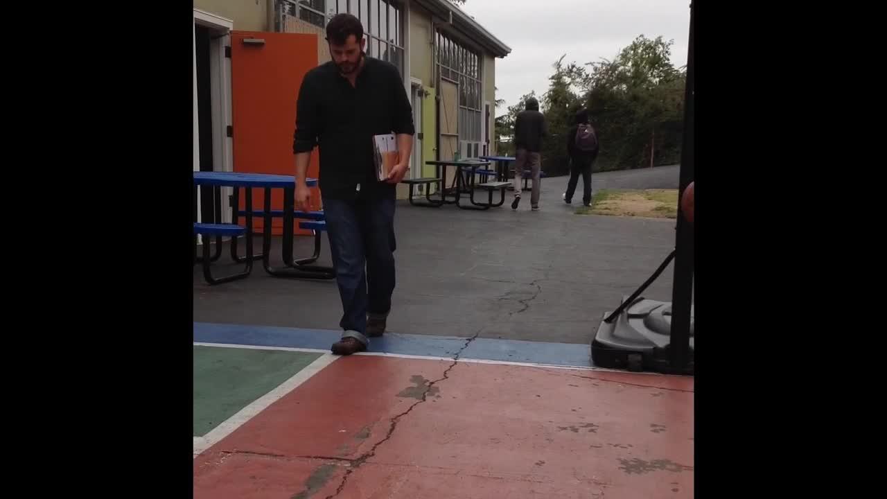 Basketball pendulum