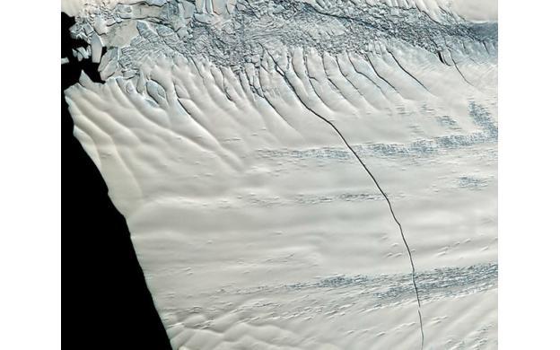 Crack in Antarctica's Ice